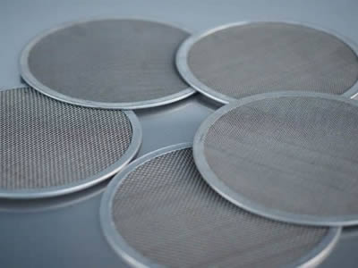 There are five titanium mesh filter discs with stainless steel frames.
