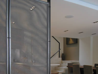 An UNS31803 super duplex stainless steel wire mesh sheet is installed in a house.